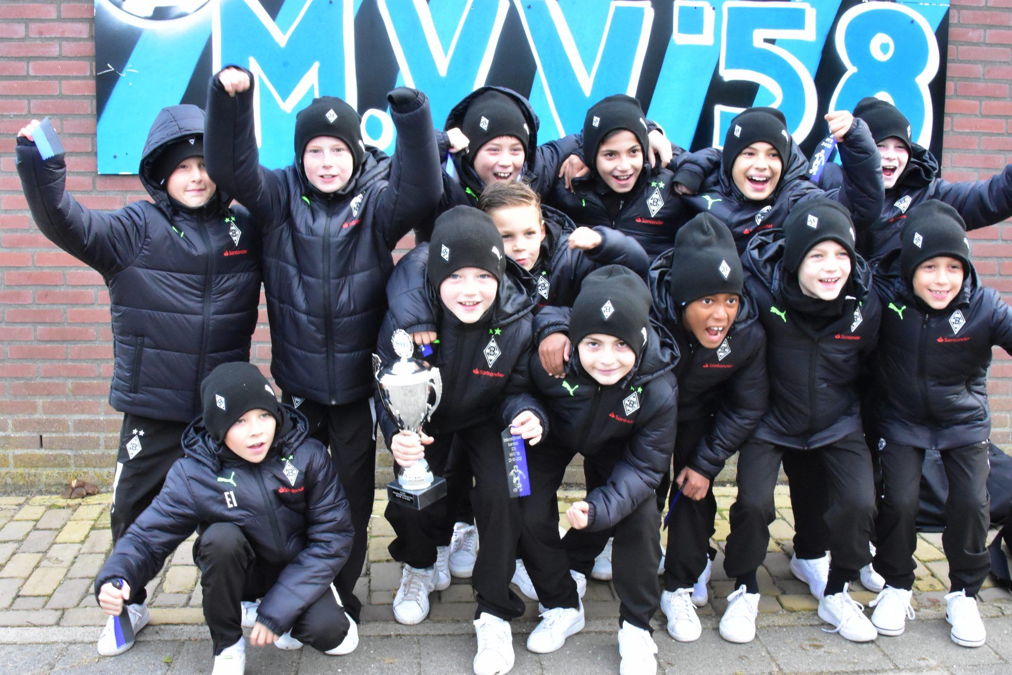 Borussia Monchengladbach wint Internationaal JO11 toernooi
